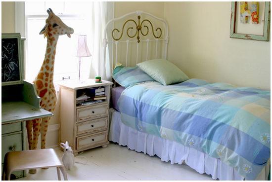 Lisa_Holly_bedroom