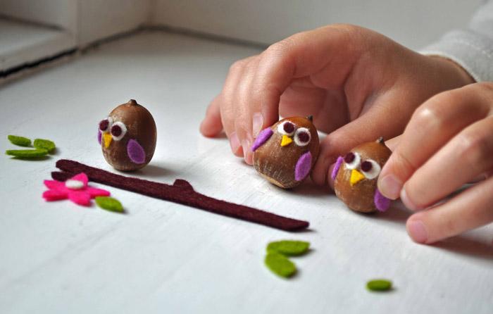 Поделки своими руками для детей из желудей