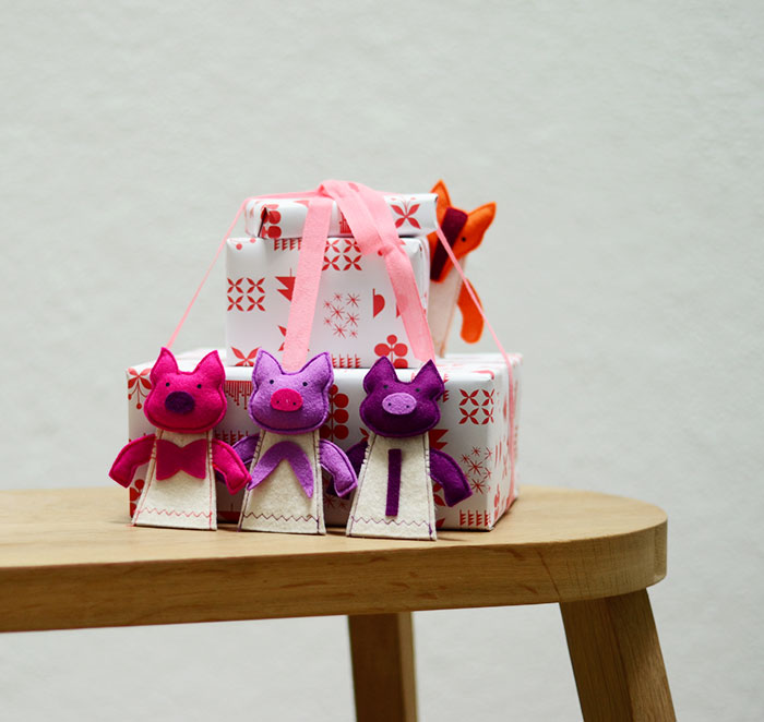 Bloesem Kids   Free Christmas Wrapping paper by Jessica Nielsen