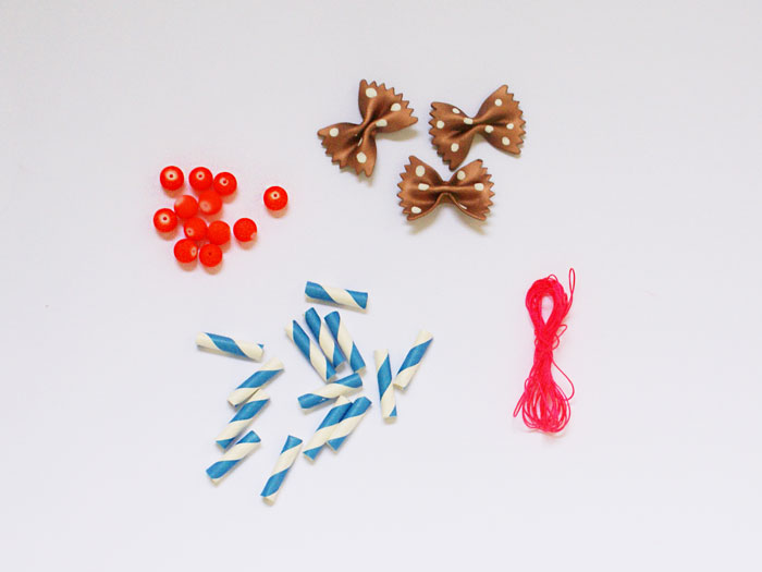 Bloesem Kids | Travel craft projects: Necklace DIY by Anouk van der El of Make History