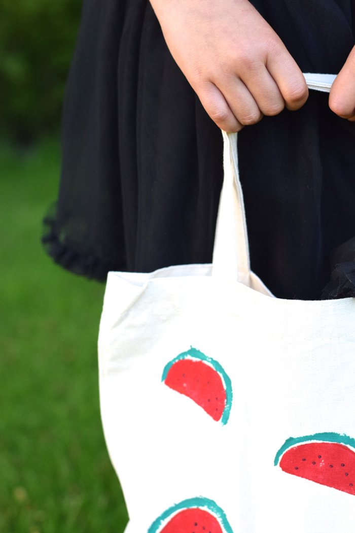 Bloesem kids crafts | DIY Watermelon print tote bag