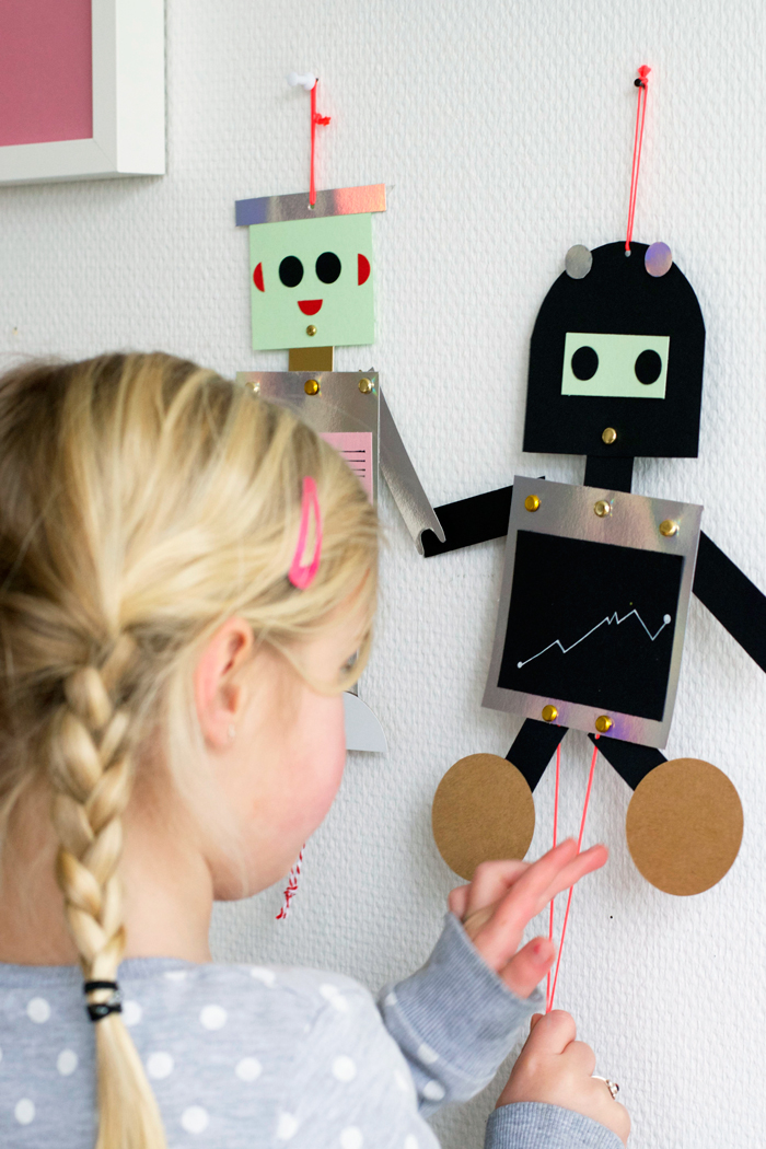 bookhoucraftprojects: Project #178: DIY Robot puppets