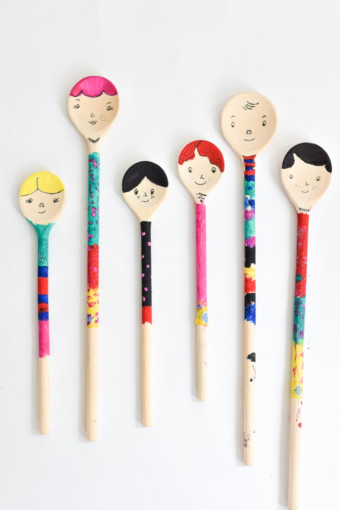 Bloesem kids craft | Wooden spoon puppets