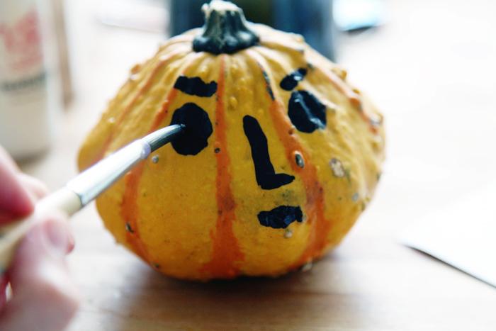 Bloesem kids | Halloween pumpkin witch DIY by Yufrukt